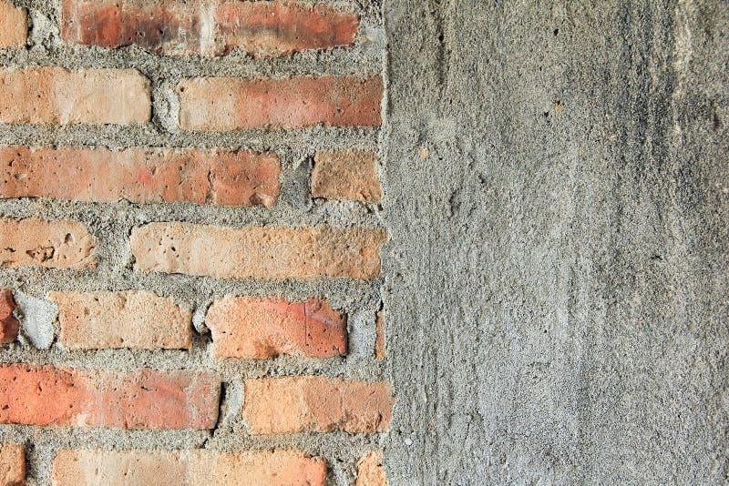 半砖墙和半具体纹理 免版税图库摄影