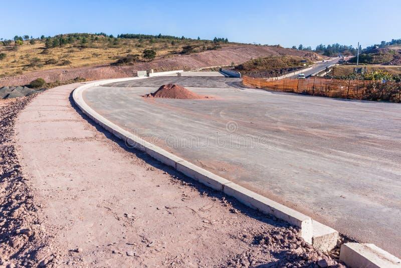 半路新的桥梁路高速公路扩展 图库摄影