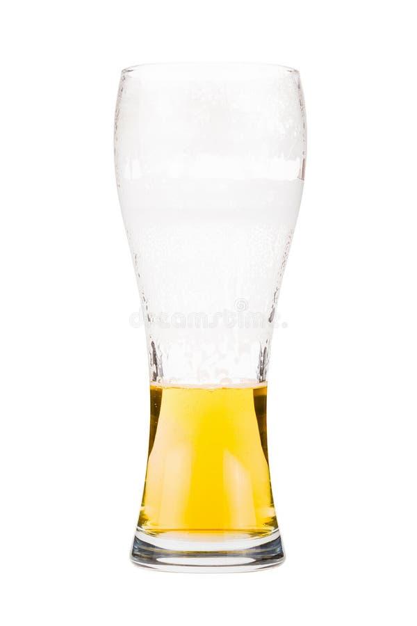 半满的啤酒杯 免版税库存照片