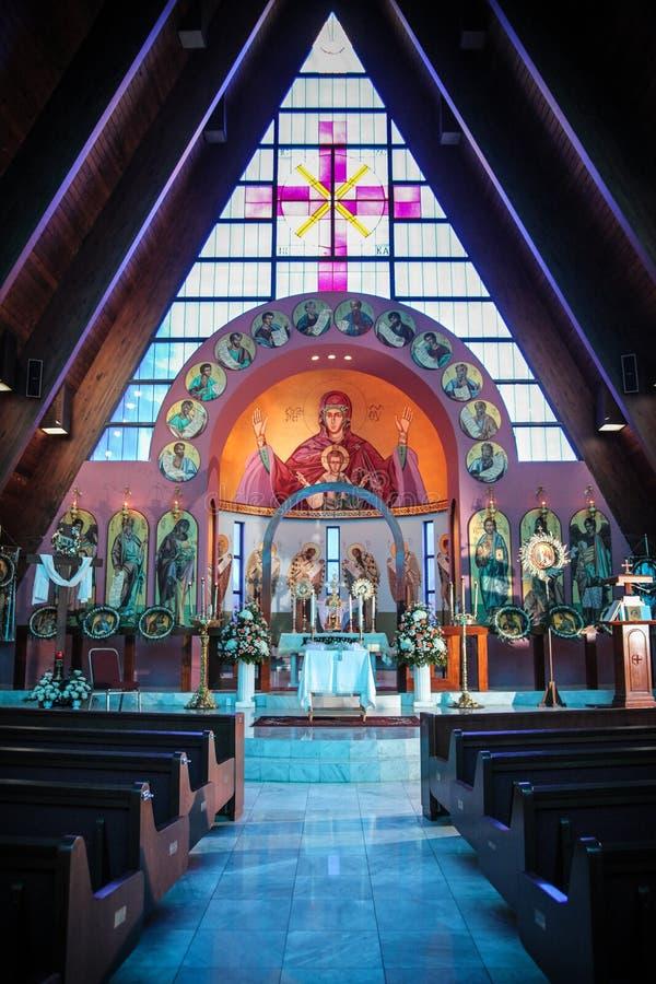 华丽法坛的教会 库存图片