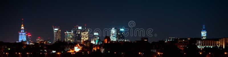 华沙市晚上全景 图库摄影