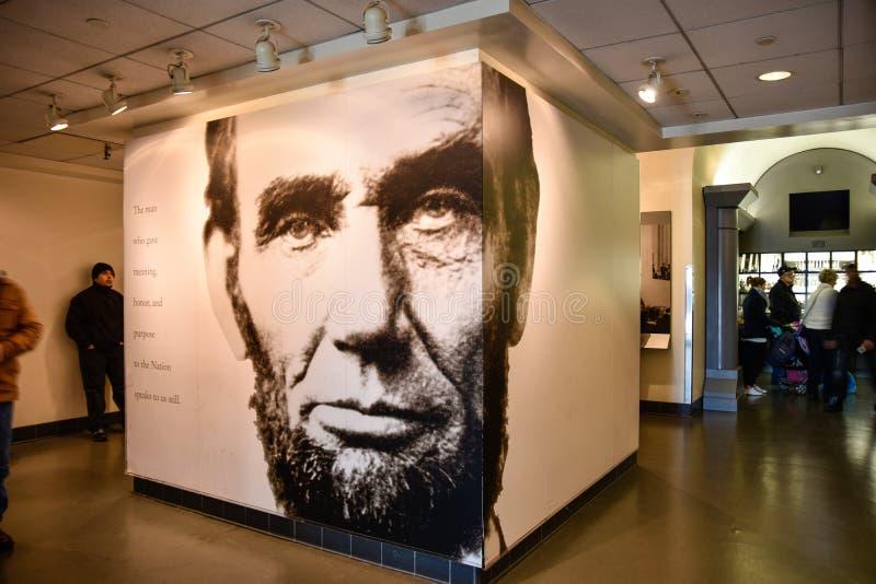 华盛顿特区,美国 亚伯拉罕・林肯的大厅入口有林肯总统巨型海报的  库存图片