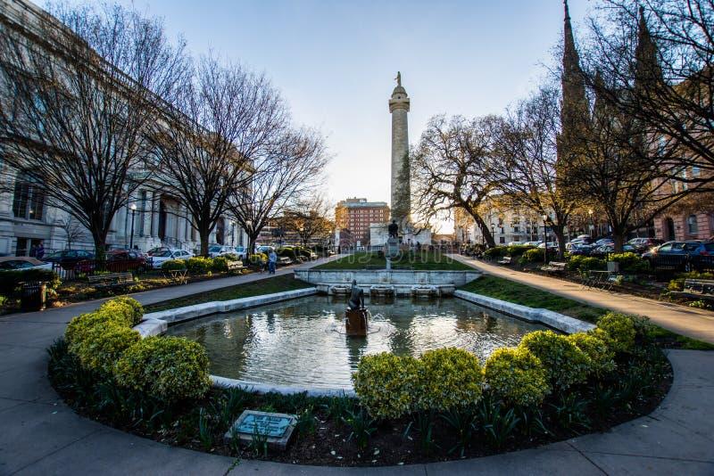 华盛顿纪念碑的反射从池塘的登上的Ver 免版税库存照片