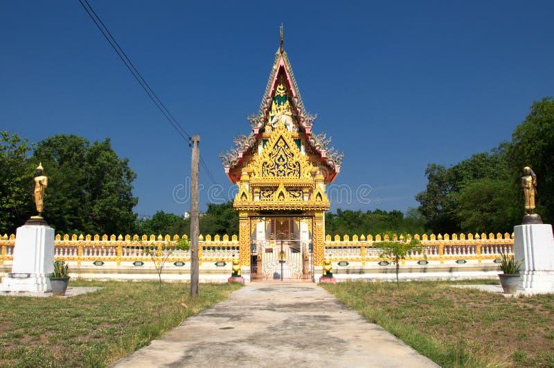 华美的寺庙在平安的环境里 免版税图库摄影