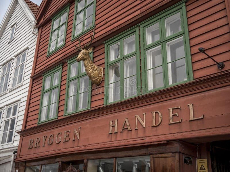 卑尔根,挪威- 2017年3月:在bryggen之外前面的细节  库存照片