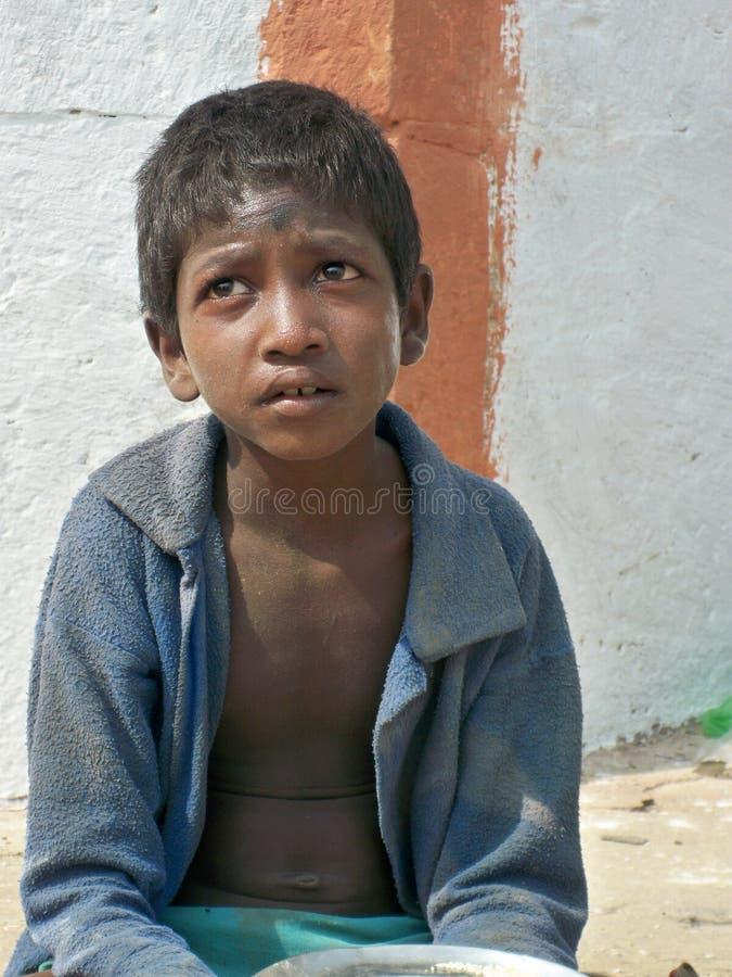 单独儿童印地安人街道 免版税库存照片
