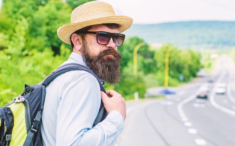 单独旅行 搭车手段运输获取了要求陌生人在他们的汽车的乘驾 单独旅行者旅行 库存照片