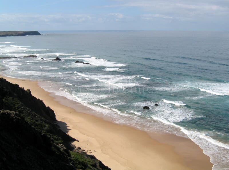 Download 单独结构 库存照片. 图片 包括有 孤独, 海运, 海滨, 沙子, 天空, 结构, 葡萄牙, 海岸, 通知, 全能 - 193260