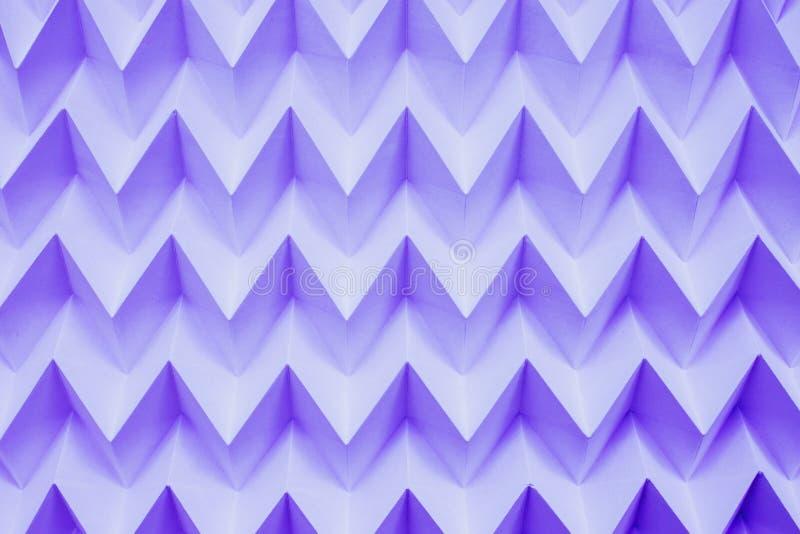 单色抽象自然纸被折叠的origami曲线锯的未来派样式 免版税库存图片