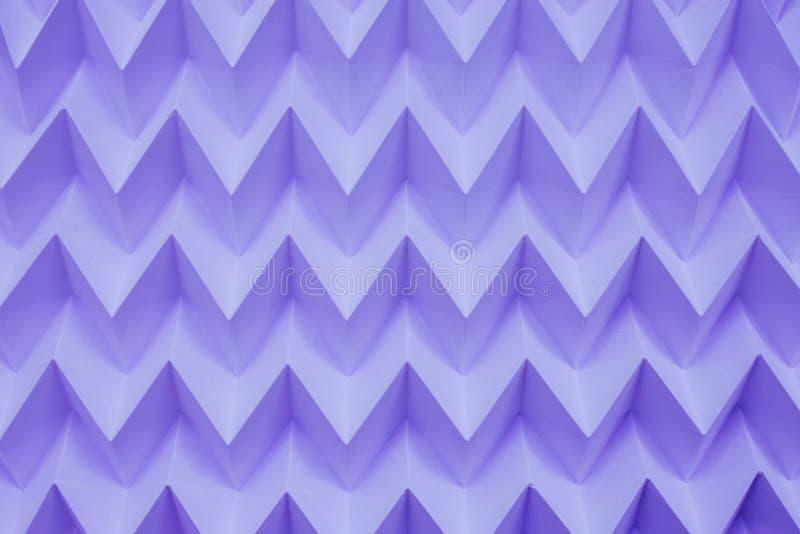 单色抽象自然纸被折叠的origami曲线锯的未来派样式 图库摄影