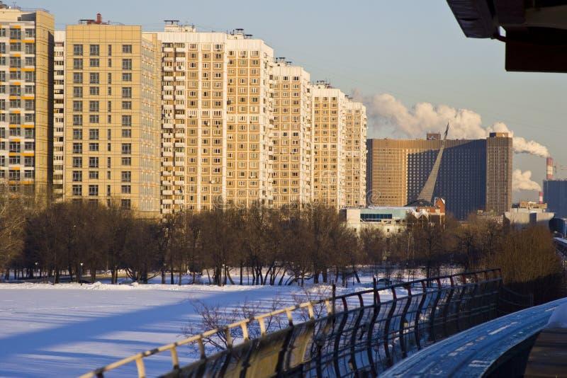 单轨铁路车在莫斯科在冬天 库存图片