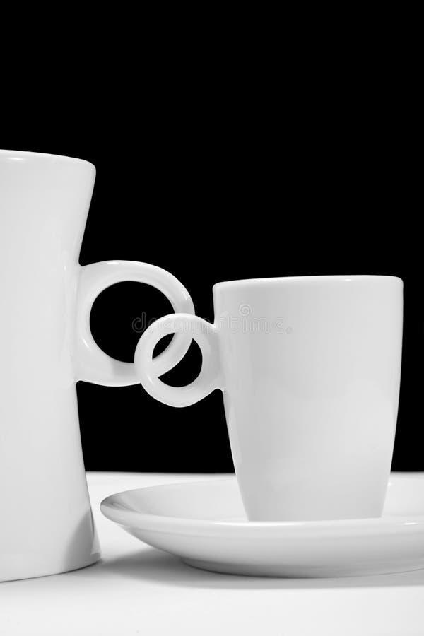 单音的咖啡杯 免版税库存照片
