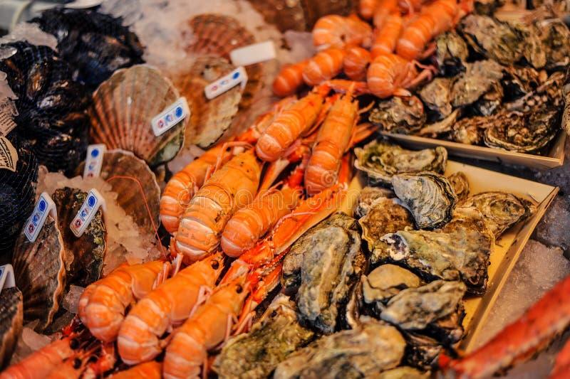 卖在Norwegen市场上的虾在市卑尔根,挪威,欧洲 库存图片