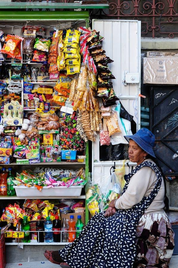 卖快餐的妇女在玻利维亚 免版税库存照片