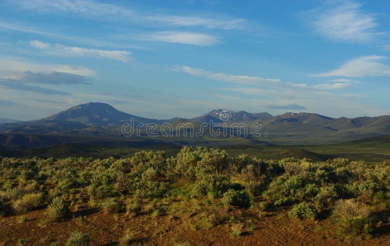 南俄勒冈高沙漠和山 库存照片
