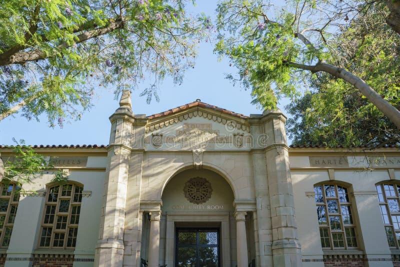 南帕萨迪纳公立图书馆 免版税图库摄影