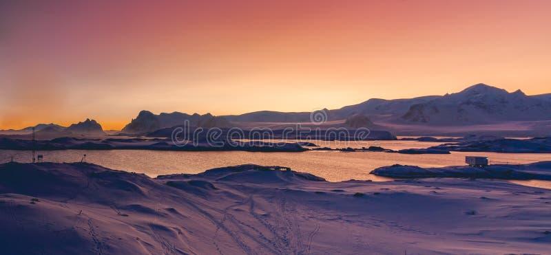 南极洲日落全景 极性场面 免版税图库摄影