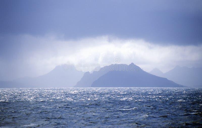 从南极洲的看法横跨合恩角和火地群岛德雷克段落  免版税库存图片
