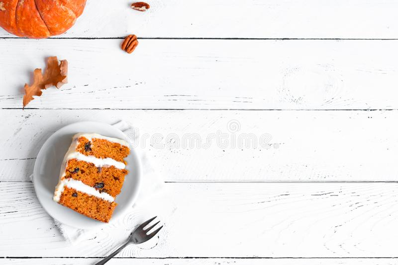 南瓜香料或红萝卜夹心蛋糕 库存照片
