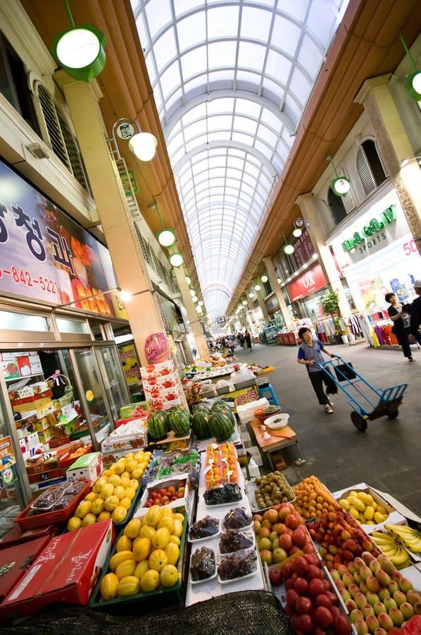 南益山室内韩国的市场 免版税库存图片