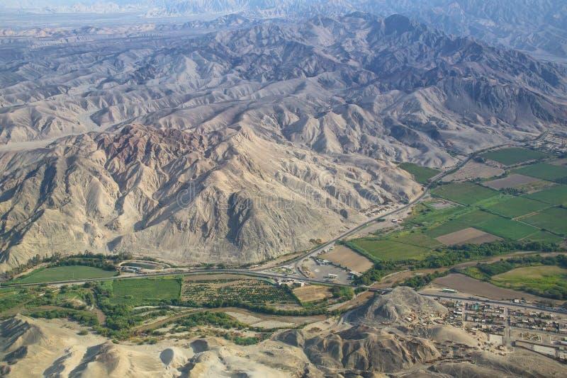 南美大草原在纳斯卡,秘鲁附近的de Jumana鸟瞰图  库存照片