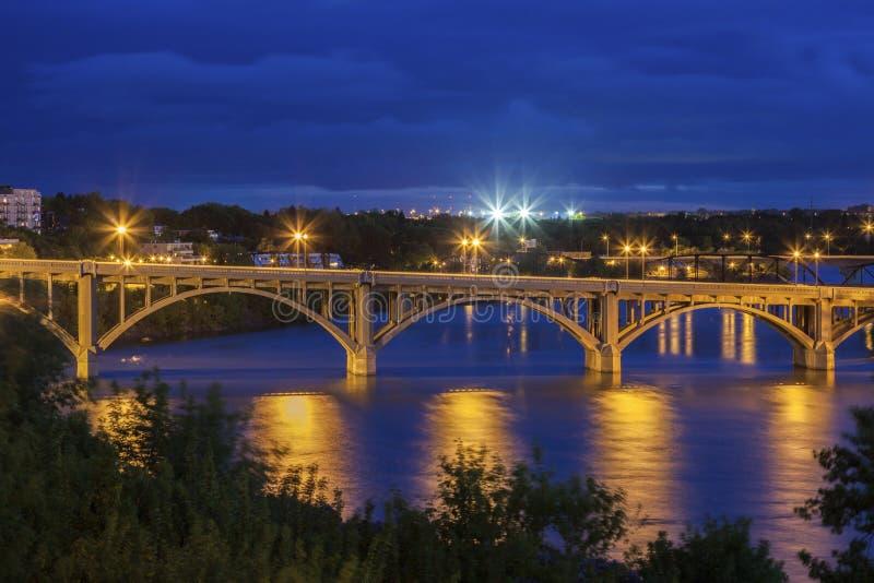 南萨斯喀彻温省河在萨斯卡通 免版税图库摄影