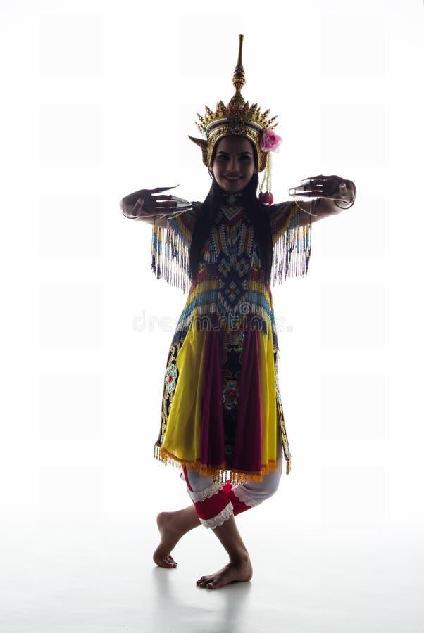 南部的泰国古典舞衣服的夫人在wh摆在 免版税库存照片