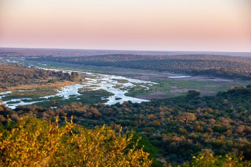 南非克鲁格国家公园奥利凡茨河的日落 库存照片