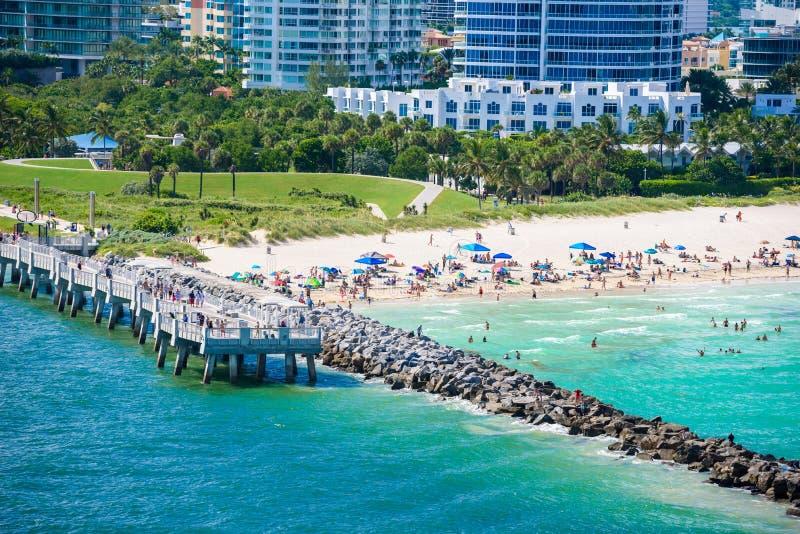 南Pointe公园和码头在南海滩,迈阿密海滩 r 天堂和佛罗里达,美国热带海岸  免版税库存图片