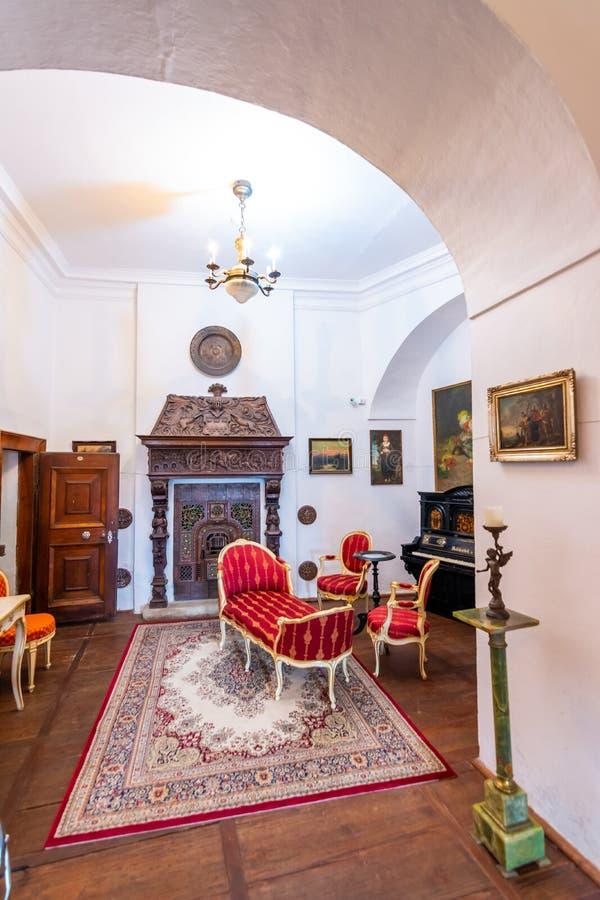 博伊尼采,斯洛伐克- 25 08 2018年:博伊尼采中世纪城堡内部,联合国科教文组织遗产,斯洛伐克  免版税库存图片