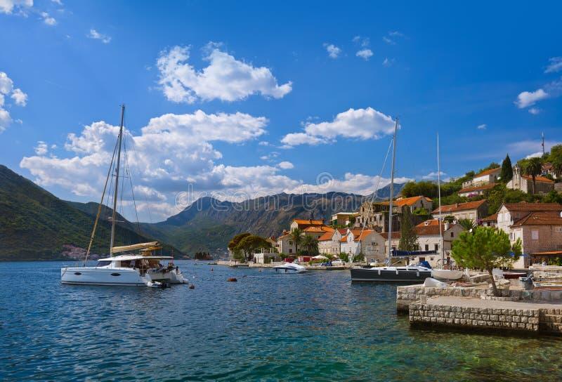 博卡队科托尔海湾-黑山海岸的村庄Perast  库存图片