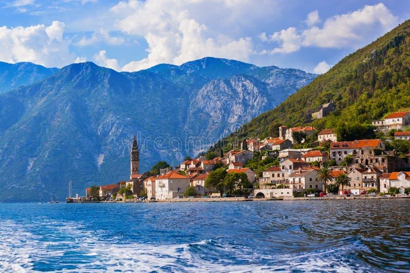 博卡队科托尔海湾-黑山海岸的村庄Perast  库存照片