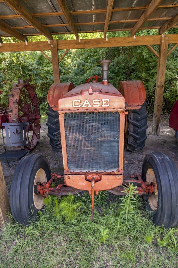 博恩霍尔种植园古老拖拉机品牌案 免版税库存图片