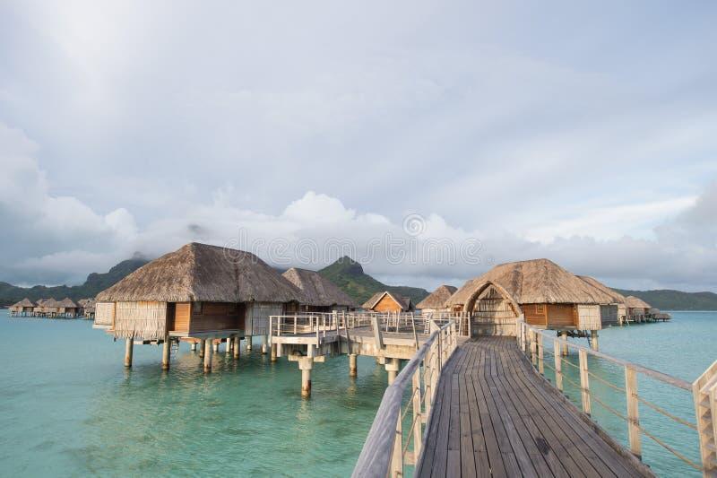 博拉博拉岛塔希提岛overwater平房 免版税库存照片
