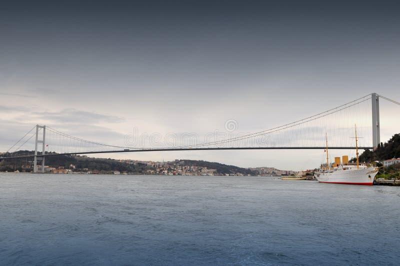 博斯普鲁斯海峡桥梁 免版税库存照片