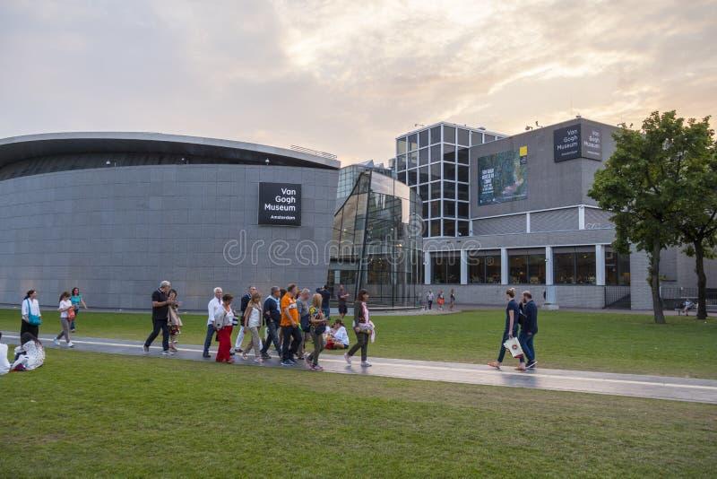博物馆的博物馆在阿姆斯特丹-凡・高博物馆-阿姆斯特丹-荷兰- 2017年7月20日扎营 免版税图库摄影