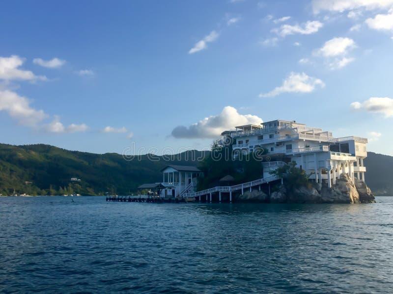 占领一个整个海岛的结构 免版税库存照片