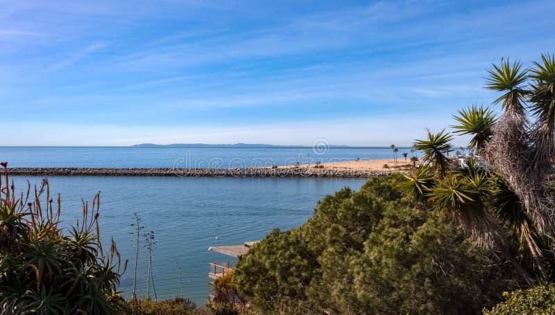 卡塔利纳岛和纽波特海滩码头景 免版税库存照片