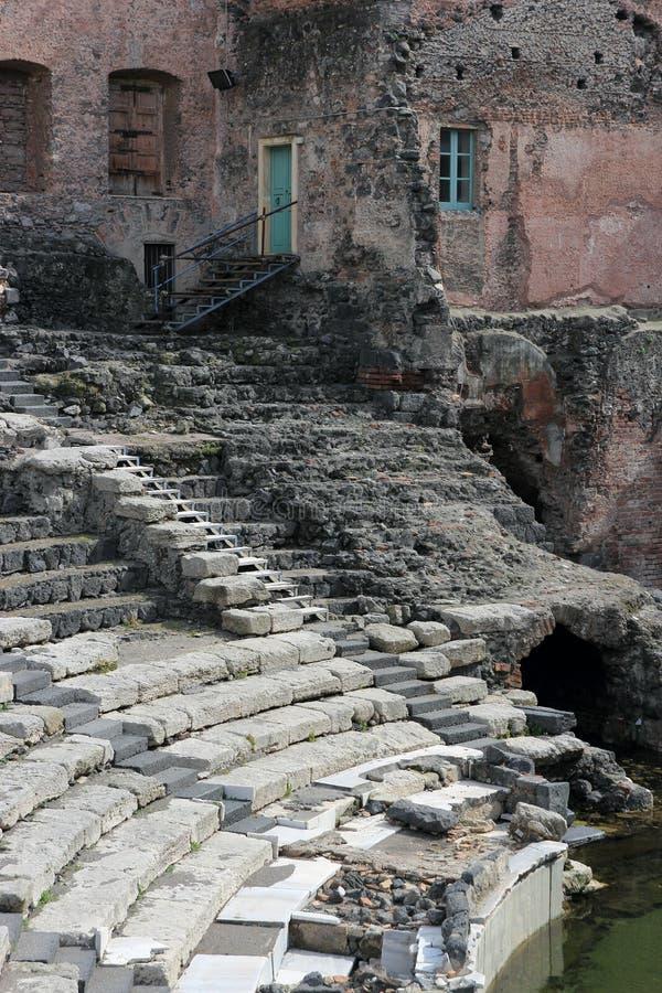 卡塔尼亚罗马废墟剧院 免版税库存照片