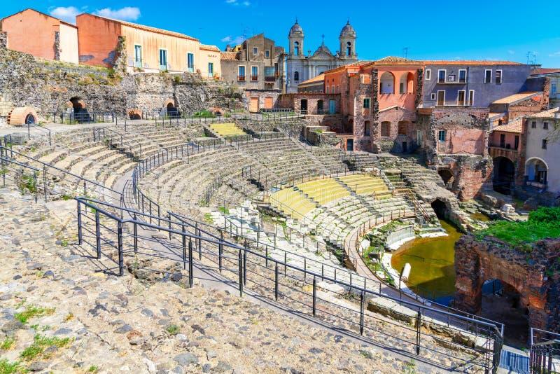 卡塔尼亚,西西里岛海岛,意大利:古老罗马剧院的废墟 图库摄影
