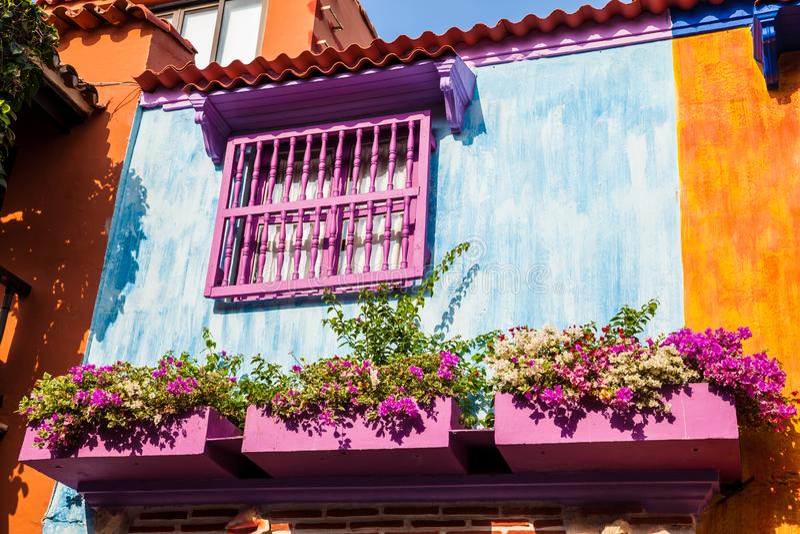卡塔赫钠de Indias被围住的五颜六色的殖民地房子  图库摄影
