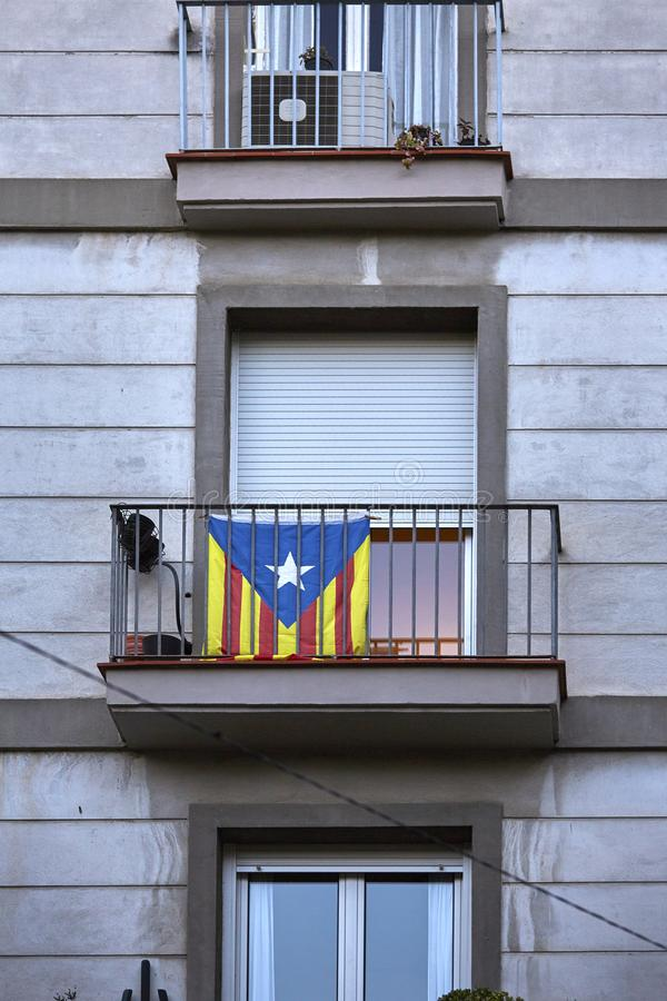 卡塔龙尼亚的旗子阳台的在巴塞罗那,西班牙 免版税库存照片