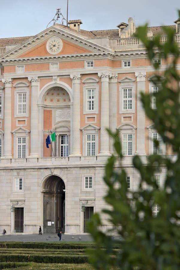 卡塞尔塔,意大利 27/10/2018 卡塞尔塔意大利奥斯陆王宫的主要外在门面  设计由建筑师路易 免版税库存图片