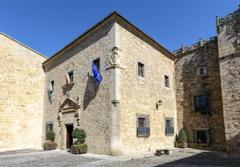 卡塞里斯,西班牙的代表团的宫殿的门面 免版税库存图片