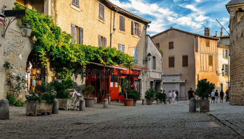 卡尔卡松,一个小山顶中世纪镇在南法国 库存图片