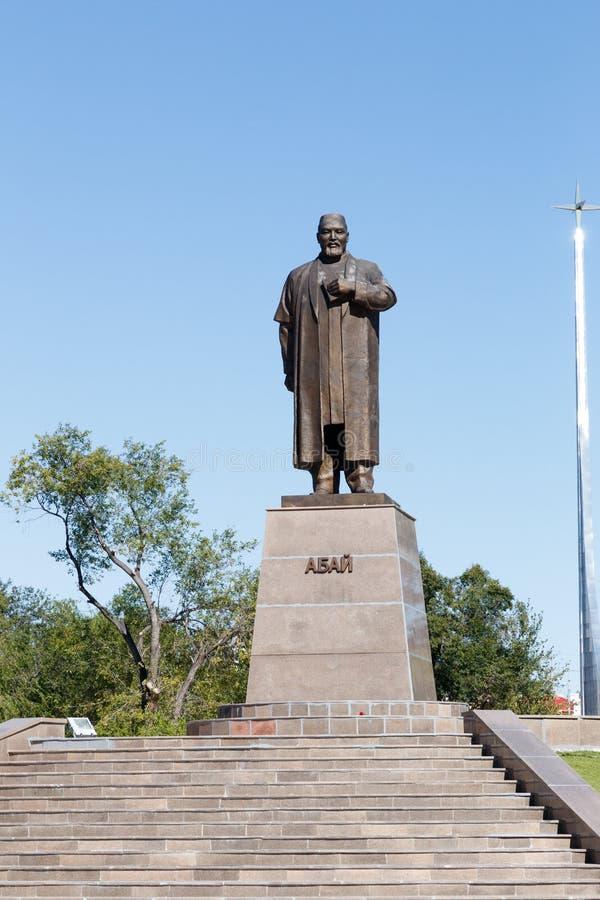 卡拉干达,哈萨克斯坦- 2016年9月1日:对阿拜Ku的一座纪念碑 免版税库存图片