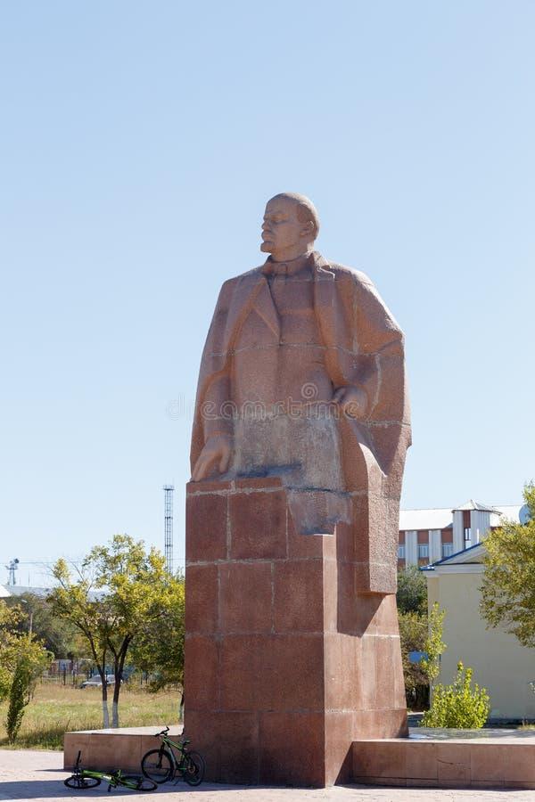 卡拉干达,哈萨克斯坦- 2016年9月1日:纪念碑VI列宁 免版税库存图片