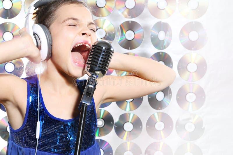卡拉OK演唱 免版税库存照片