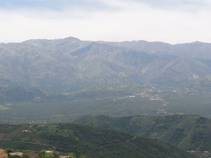 卡拜尔人山-多山风景在Kabylia 免版税库存图片