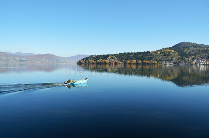 卡斯托里亚湖 免版税库存照片
